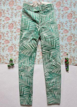 Шикарные брюки 7/8 с принтом пальмы от banana republic