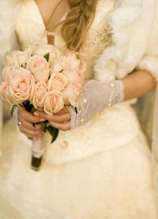 Свадебное платье, шубка, кольца для юбки