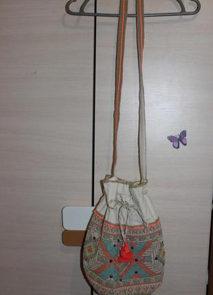 Супер стильная сумка в принт с вышывкой  летняя atmosphere