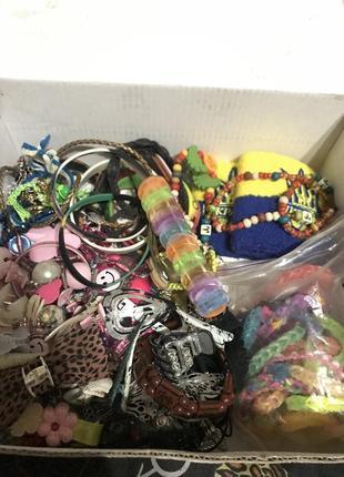 Коробка детских украшений