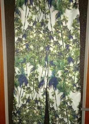 Красивые экзотические штаны, италия