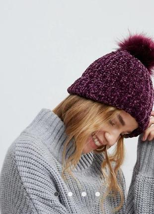 Теплая плюшевая шапка с бубоном