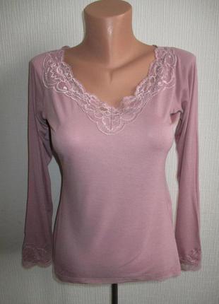 Кофточка блуза из тонкого вискозного трикотажа украшенная кружевом la redoute
