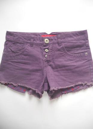 Фиолетовые джинсовые шорты