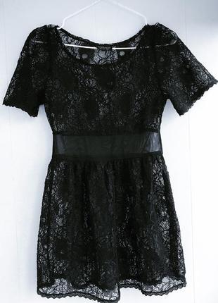 Кружевное ажурное гипюровое мини черное платье topshop s xs