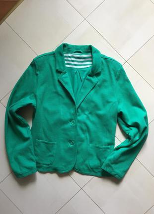Пиджаки от benotti изумрудного цвета р- р - 16-18.