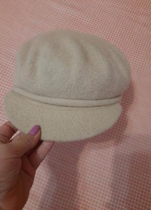 Кепка кепи шапка с ангоры  в карамельном цвете чехия