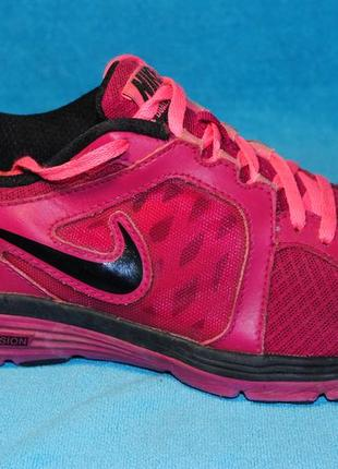 Nike  кроссовки 40 размер