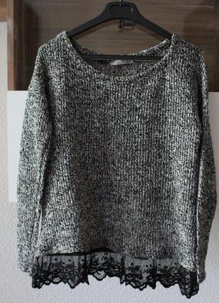 Легкий свитерок с кружевом atmosphere