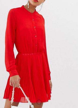 Платье на пуговицах с юбкой плиссе