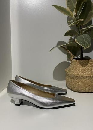Брендовые кожаные туфли 37-39(26,5) идут на 39