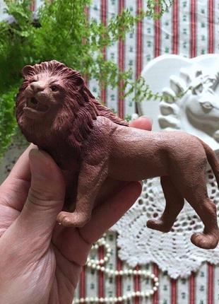 Фигурки животных лев