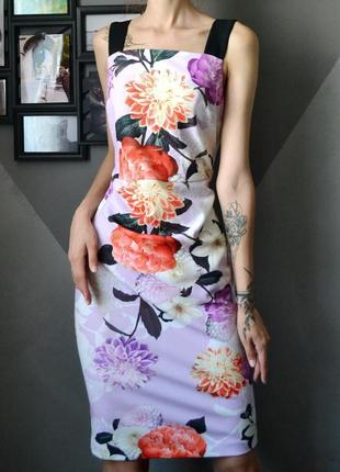 Изумительно красивое платье  в цветы dorothy perkins