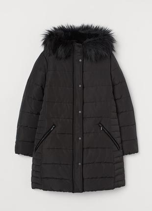 Черная очень теплая зимняя куртка  с капюшоном очень большого 26 размера