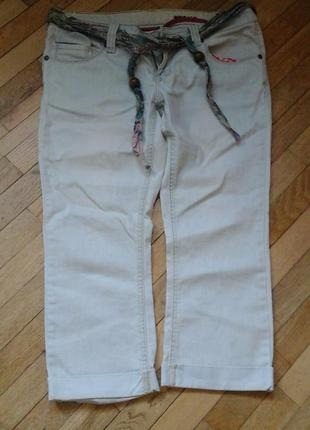 Джинсы укороченные фирмы cars jeans