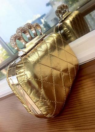 Клачч золотого цвета. сумка. сумочка. кошелек. косметичка.