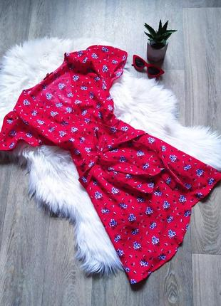 Яркое цветастое красное платье на запах 🤩