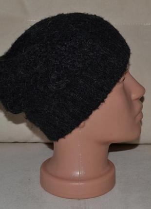 Большой выбор аксессуаров шляп шапок платков и шалей