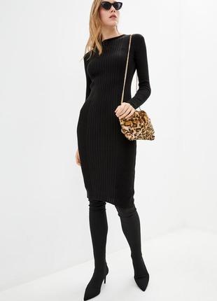 Классическое вязаное теплое полушерстяное платье