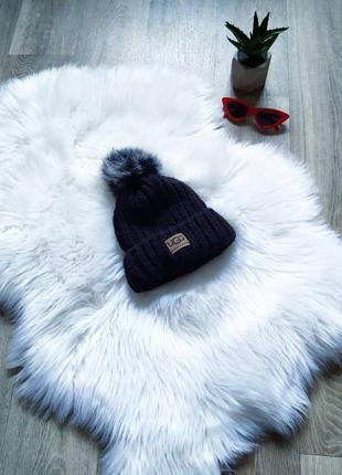 Теплая вязаная шапочка ugg😍