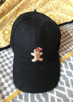 Шерстяная кепка