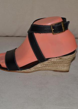 Большой выбор обуви разных размеров и фасонов 35-36 размер кожа 100% кожаные