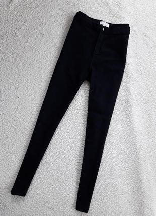 Черные джинсы скинни высокая посадка