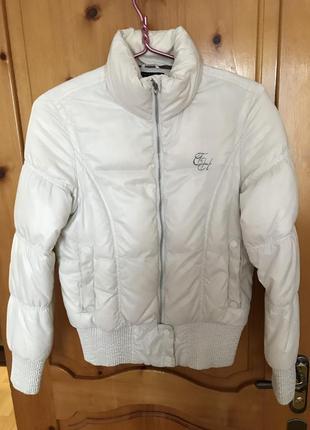 Весенняя курточка tommy hilfiger
