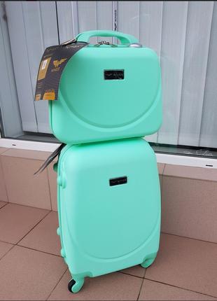Комплект чемодан wings k 310 + бьютиком