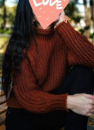 Горчичный  укороченный теплый свитер под горло