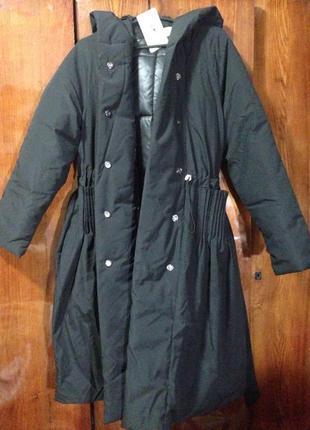 Пальто-одеяло зимнее черного цвета c капюшоном