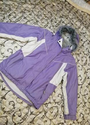 Курточка для девочки 7-8лет.