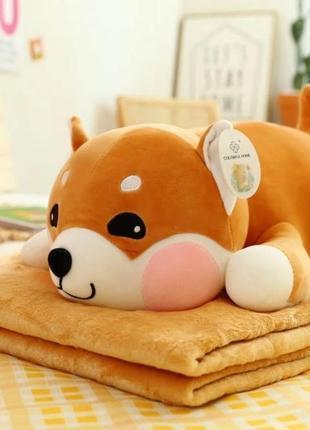 Плюшевая игрушка-подушка. внутри которой мягкий плед.
