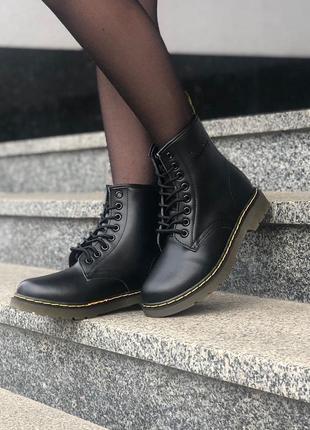 Теплые зимние ботинки мартинс женские dr. martens classic