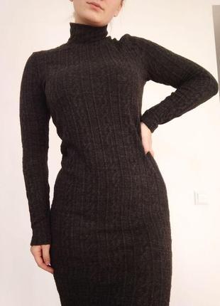 Шикарна в'язана сукня на зиму