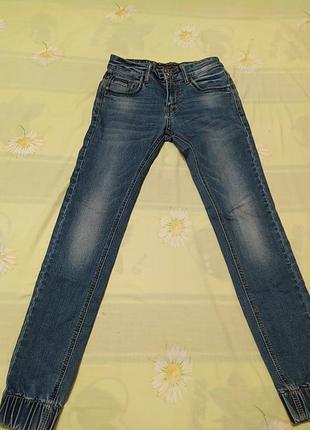 Синие  джинсы на манжете внизу, длина 96, от 33, об 40