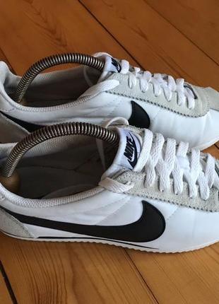 Nike cortez adidas
