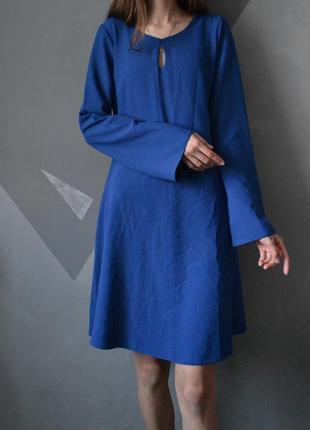 Элегантное платье с фактурной ткани yessica
