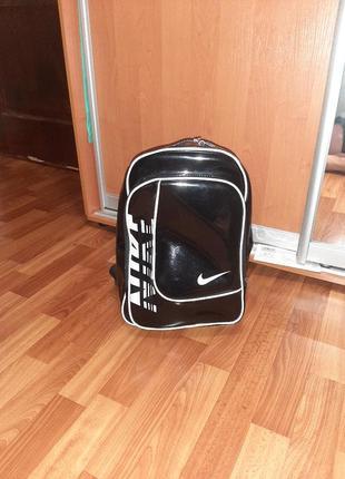 Фирменный рюкзак nike