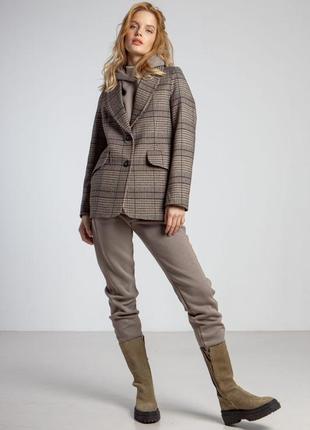 Пиджак, жакет, блейзер в серо-коричневую клетку
