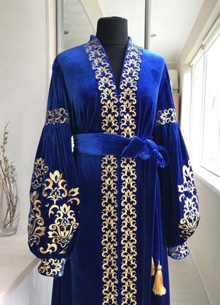 Розкошное нарядное бархатное платье вышиванка