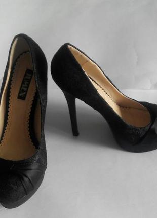 Продам туфли фирмы jumex