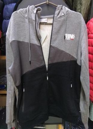 Мужская кофта на молнии с капюшоном и карманами  (зима)
