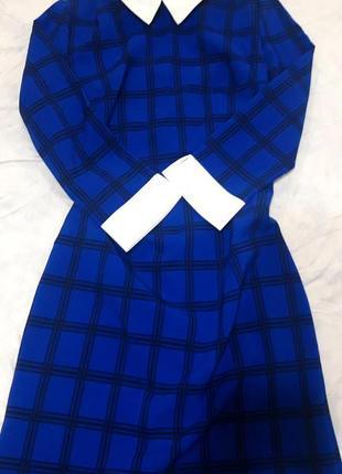 Платье в клеточку.