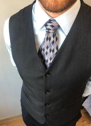 Шелковый галстук daniel hechter в идеальном состоянии.