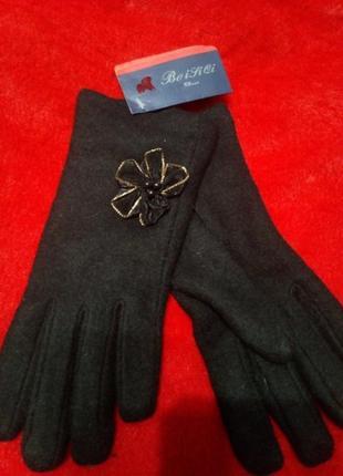 Брендовые перчатки на подростка