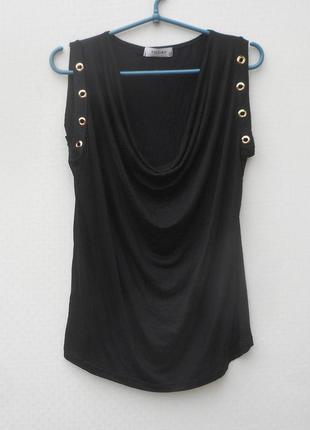 Летняя  свободная блузка из вискозы без рукавов