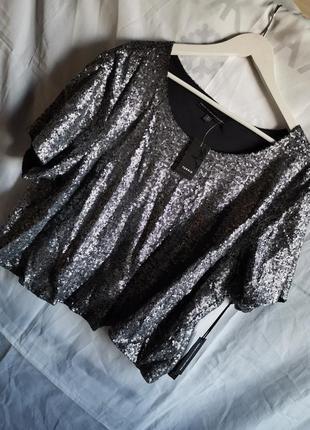 Блуза с паетками фирменная