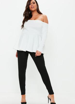 Белая кофта блуза с баской