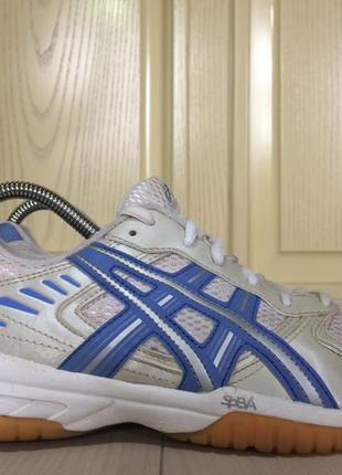Asics продам спортивные кроссовки